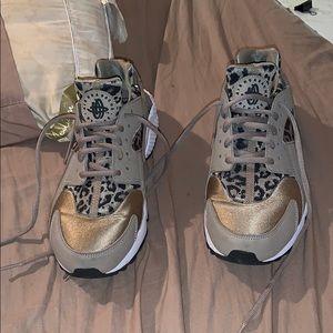 Nike Cheetah Print Huaraches